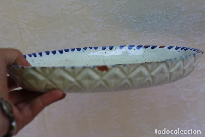 Antigüedades: RARA FUENTE BANDEJA DE CERÁMICA CON PERDIZ TALAVERA DE LA REINA? - Foto 12 - 162469670