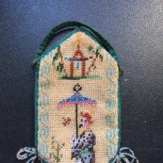 Antigüedades: MONEDERO CUENTAS DE CRISTAL PPIOS XX. Lote 162479177