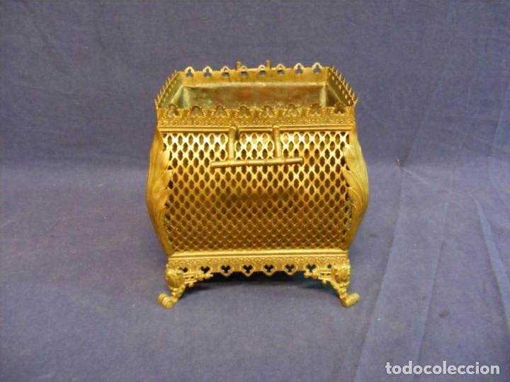 Antigüedades: JARDINERA ANTIGUA EN METAL Y CLOISONNE - Foto 2 - 203519285