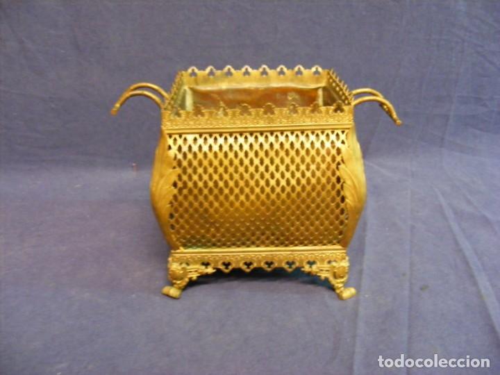 Antigüedades: JARDINERA ANTIGUA EN METAL Y CLOISONNE - Foto 3 - 203519285