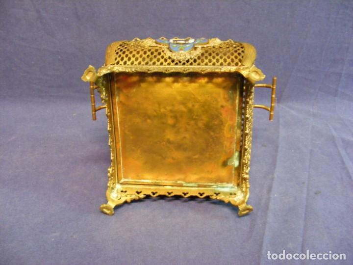 Antigüedades: JARDINERA ANTIGUA EN METAL Y CLOISONNE - Foto 5 - 203519285