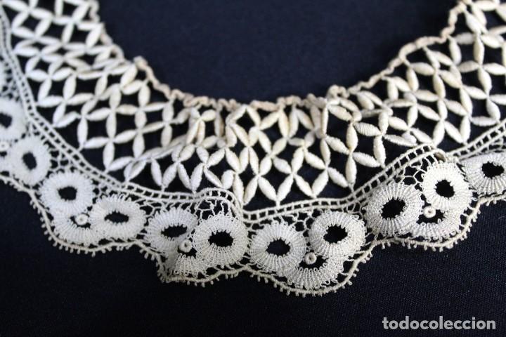 Antigüedades: 285 Cuello elaborado a mano en hilos de seda S XIX - Foto 2 - 162559294