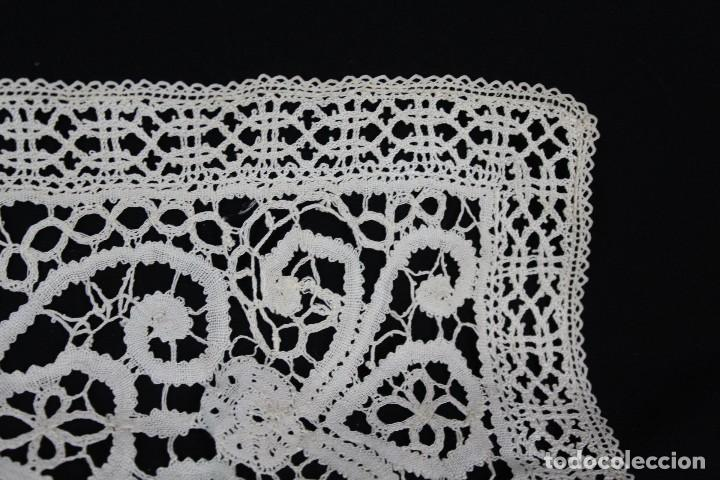Antigüedades: 304 Cuadrante completamente bordado a mano, labor minuciosa, s XIX - Foto 5 - 162560262