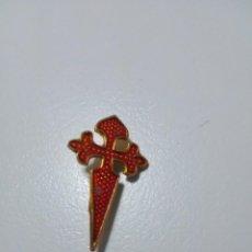 Antigüedades: BROCHE INSIGNIA CRUZ DE SANTIAGO. Lote 162566062