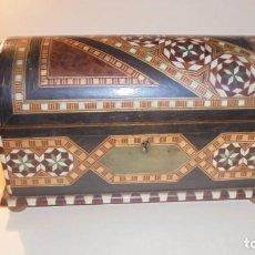 Antigüedades: ANTIGUA CAJA ARABESCA DE TARACEA MARFIL O HUESO Y DIFERENTES MADERAS FINAL S. XIX PRINCIPIO DEL S. . Lote 162612254