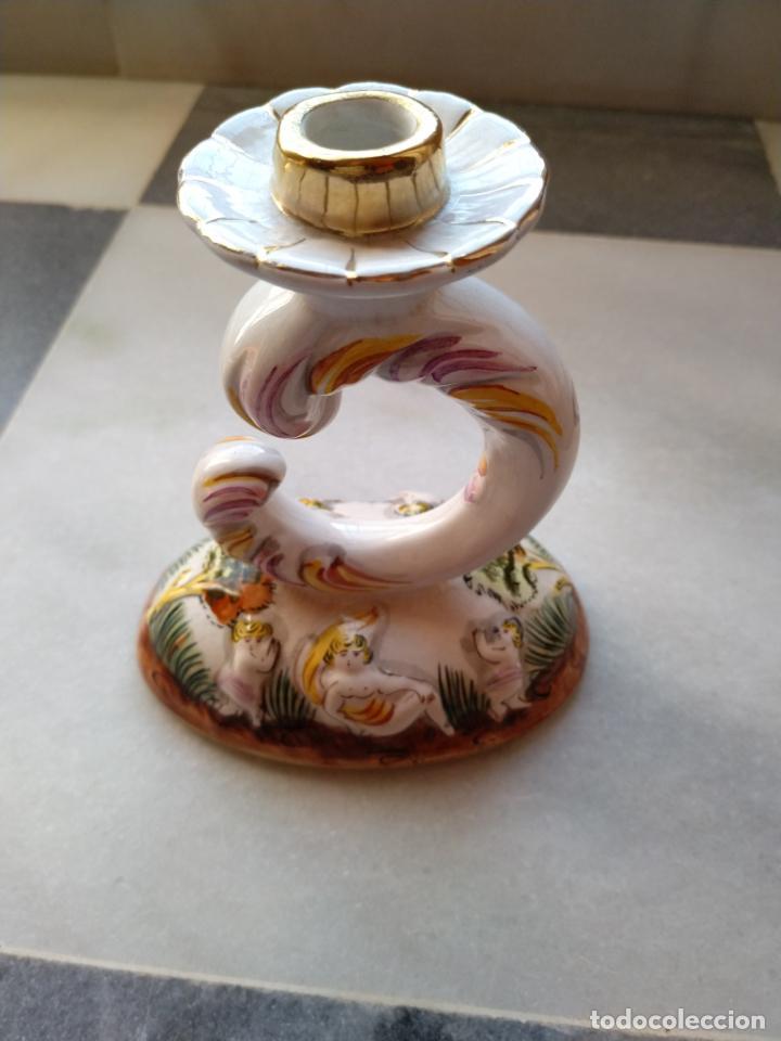 ANTIGUO CANDELABRO DE PORCELANA PINTADO A MANO ELPA ALCOBACA PORTUGAL (Antigüedades - Iluminación - Candelabros Antiguos)