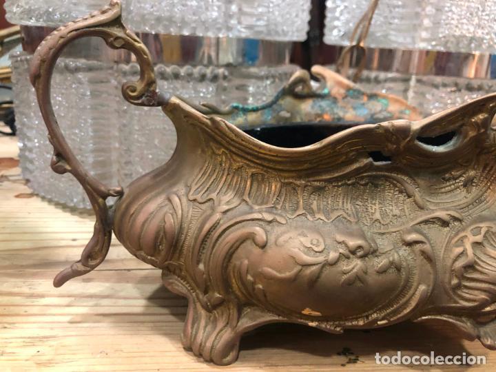 Antigüedades: CENTRO DE MESA DE BRONCE CON MEDIDA TOTAL 33X16 CM - Foto 2 - 162666750