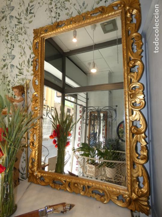 Antigüedades: Gran espejo estuco con pan de oro, finales siglo XIX.145 x 95 cms. Alguna pequeña falta. - Foto 6 - 162691762