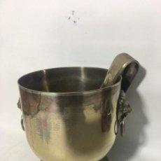 Antigüedades: ORIGINAL ANTIGUO CUBITERA REALIZAR EN METAL. Lote 162710130