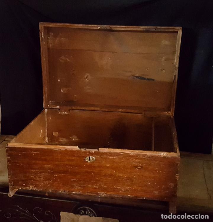 CAJA RUSTICA PEQUEÑA DE PINO, (Antigüedades - Muebles Antiguos - Baúles Antiguos)