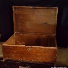 Antigüedades: CAJA RUSTICA PEQUEÑA DE PINO,. Lote 162765842