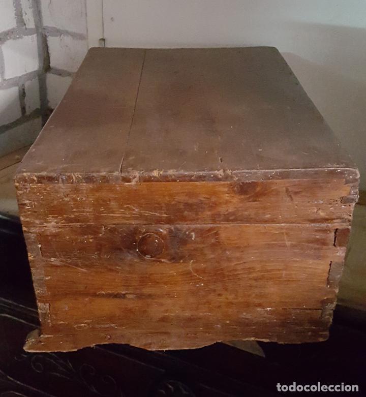 Antigüedades: CAJA RUSTICA PEQUEÑA DE PINO, - Foto 2 - 162765842