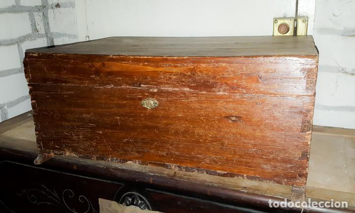 Antigüedades: CAJA RUSTICA PEQUEÑA DE PINO, - Foto 4 - 162765842