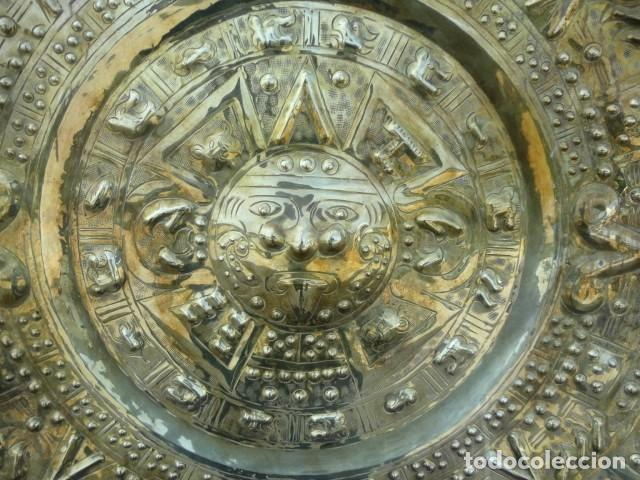 Antigüedades: Plato de laton del dios sol azteca - Foto 3 - 162771130