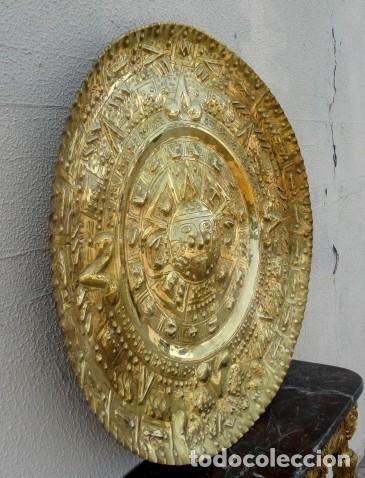 Antigüedades: Plato de laton del dios sol azteca - Foto 5 - 162771130