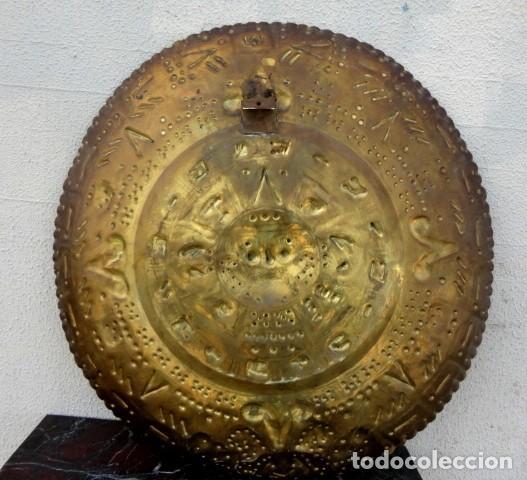 Antigüedades: Plato de laton del dios sol azteca - Foto 6 - 162771130