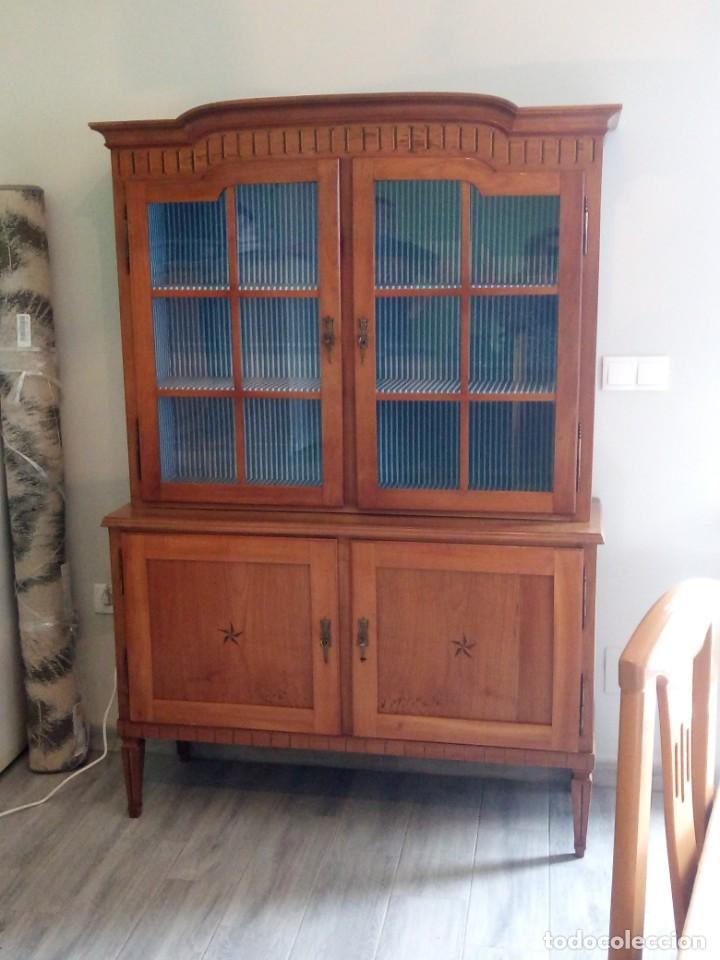 Antigüedades: Antigua vitrina de madera noble con estrellas de marquetería.Llaves originales.Años 20/30 - Foto 5 - 162794706