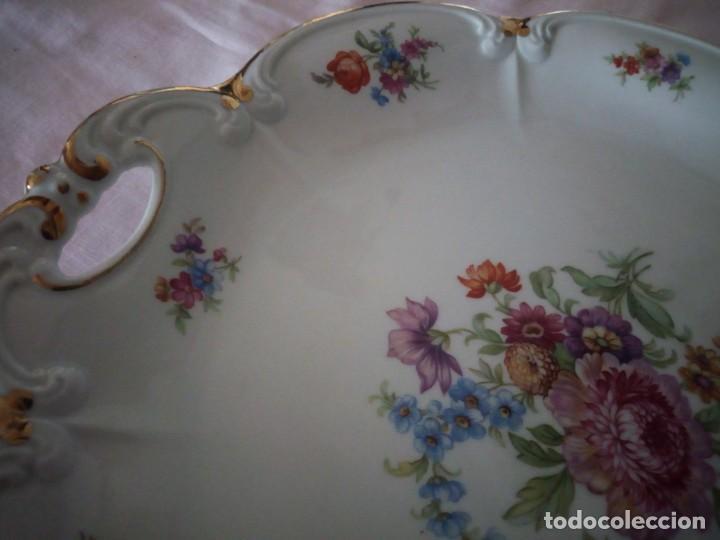 Antigüedades: Precioso plato tartero de porcelana bavaria tirschenreuth germany,motivo flores y oro. - Foto 4 - 218428381