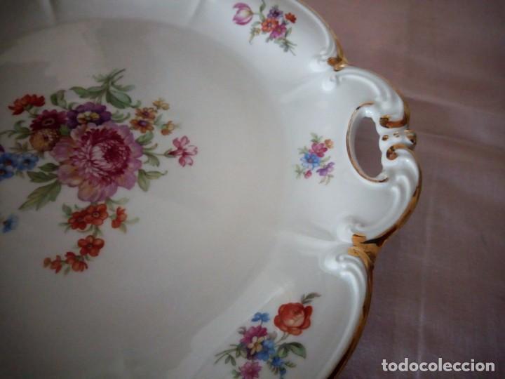 Antigüedades: Precioso plato tartero de porcelana bavaria tirschenreuth germany,motivo flores y oro. - Foto 6 - 218428381