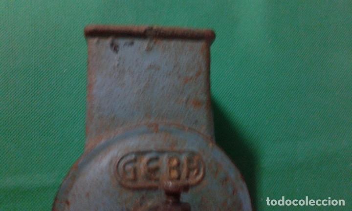 Antigüedades: ANTIGUO RAYADOR DE PAN MARCA GEBA, HIERRO FUNDIDO - Foto 3 - 162882786
