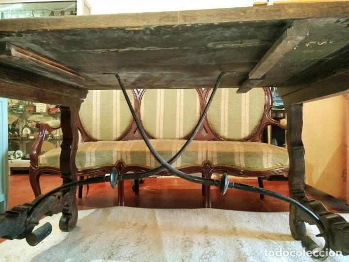 Antigüedades: MESA CON FIADORES Y PATA DE LIRA - Foto 2 - 114248919