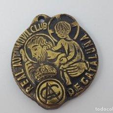 Antigüedades: COLGANTE DE MEDALLA REAL AUTOMÓVIL CLUB DE CATALUÑA. Lote 162913898