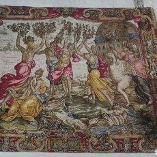 Antigüedades: TAPIZ ESPAÑOL. MOTIVO: LAS HELÍADES SON CONVERTIDAS EN ÁLAMOS.. Lote 160975174