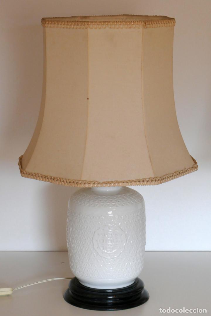 Antigüedades: Pareja de lámparas antiguas en porcelana china reticulada Blanc de Chine Dehua mediados s.XX vintage - Foto 3 - 162945650