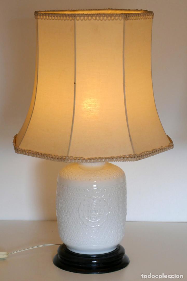 Antigüedades: Pareja de lámparas antiguas en porcelana china reticulada Blanc de Chine Dehua mediados s.XX vintage - Foto 4 - 162945650