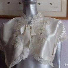 Antiquitäten - ANTIGUA MAÑANITA DE RASO CON ENCAJE, COLOR CHAMPAN. - 162953330