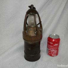 Antigüedades: ANTIGUA LAMPARA DE CARBURO, BRONCE Y HIERRO FORJADO + CRISTAL, SEGURIDAD, Nº3, MINERO, RARA,. Lote 162967674