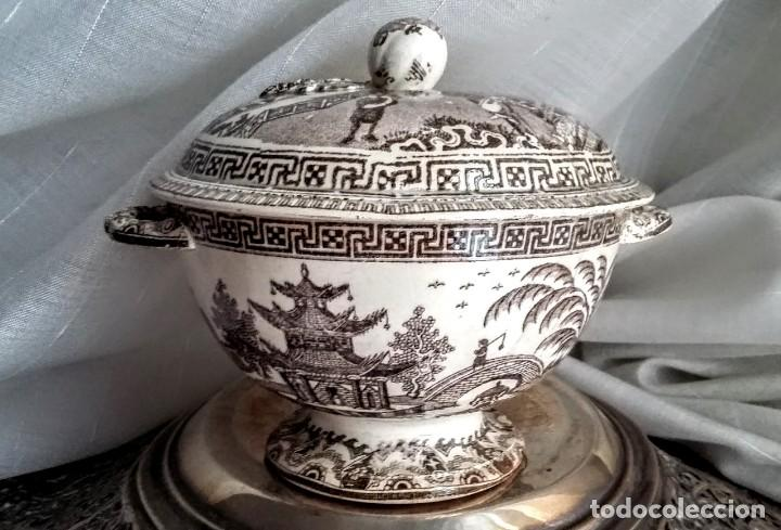 PRECIOSA SOPERA/SALSERA LOZA ANTIGUA CON DECORACIÓN ORIENTAL (Antigüedades - Porcelanas y Cerámicas - Otras)