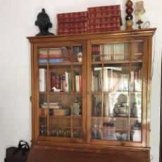 Antiquitäten - Escritorio con vitrina / Bureau / cómoda - 163005693