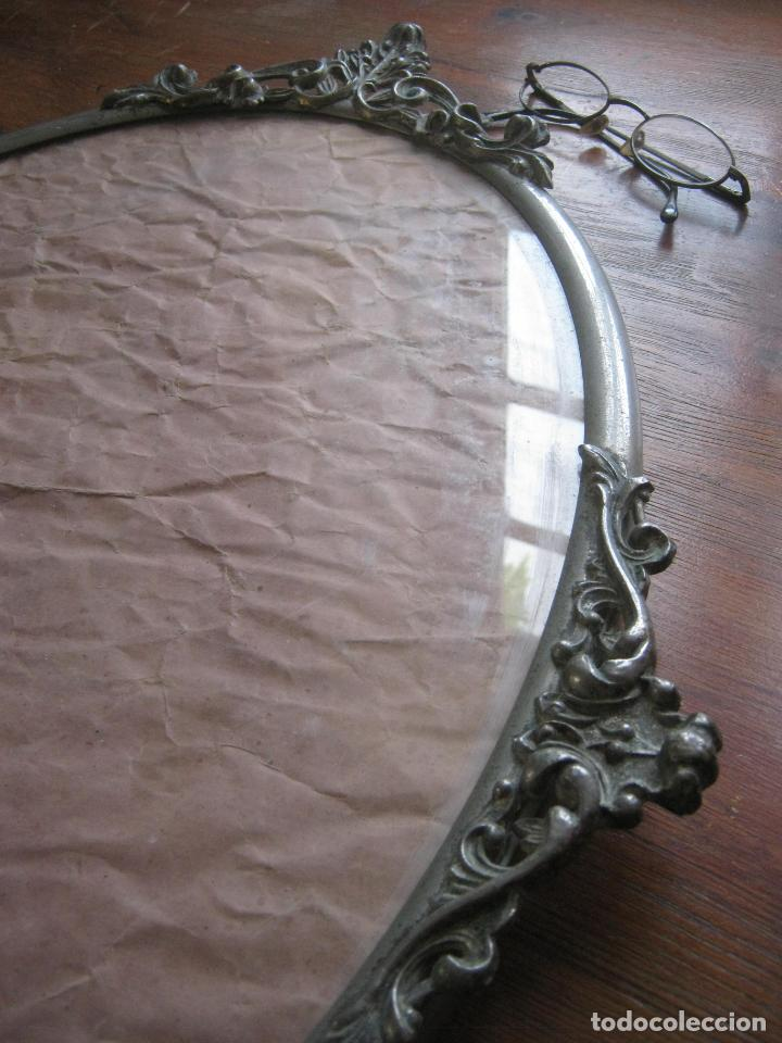Antigüedades: 56 cm . S.XIX . Gran marco de metal . cornucopia . óvalo - Foto 3 - 163009666