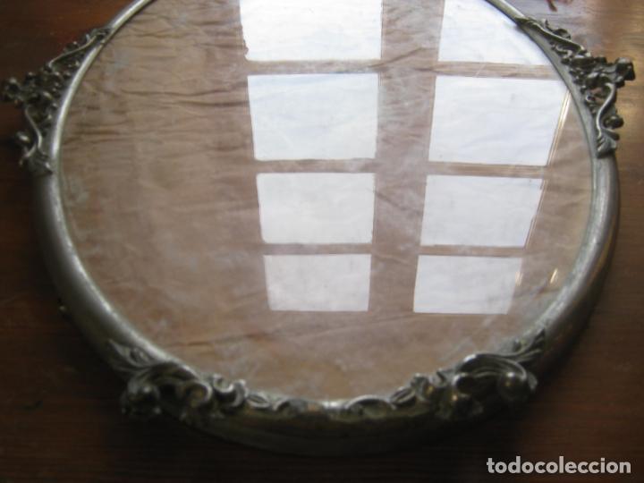 Antigüedades: 56 cm . S.XIX . Gran marco de metal . cornucopia . óvalo - Foto 4 - 163009666