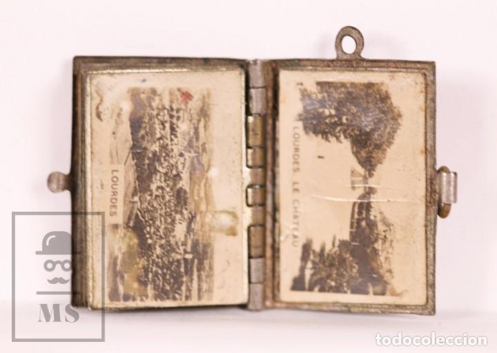 Antigüedades: Antiguo Librito Miniatura / Colgante Souvenir de Lourdes con Imágenes Fotográficas / Vistas - Foto 3 - 163020486
