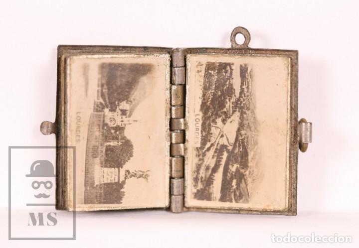 Antigüedades: Antiguo Librito Miniatura / Colgante Souvenir de Lourdes con Imágenes Fotográficas / Vistas - Foto 4 - 163020486