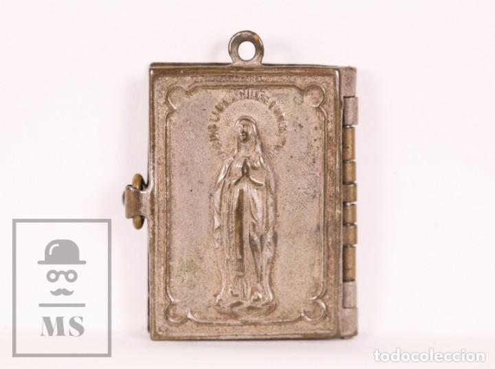 Antigüedades: Antiguo Librito Miniatura / Colgante Souvenir de Lourdes con Imágenes Fotográficas / Vistas - Foto 5 - 163020486