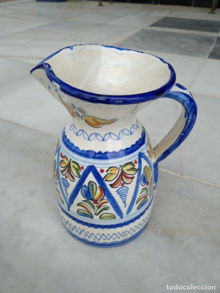 BONITA JARRA TALAVERA PINTADA A MANO --- LA PILARICA J. A. --- (Antigüedades - Porcelanas y Cerámicas - Talavera)