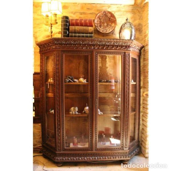 ANTIGUA VITRINA DE MADERA DE CEDRO (Antigüedades - Muebles Antiguos - Vitrinas Antiguos)