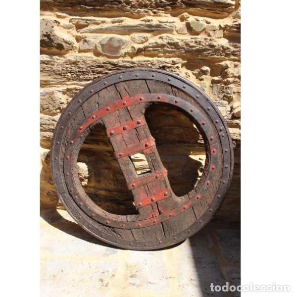 ANTIGUA RUEDA DE CARRO (Antigüedades - Varios)