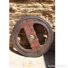 Antigüedades - Antigua rueda de carro - 163080294