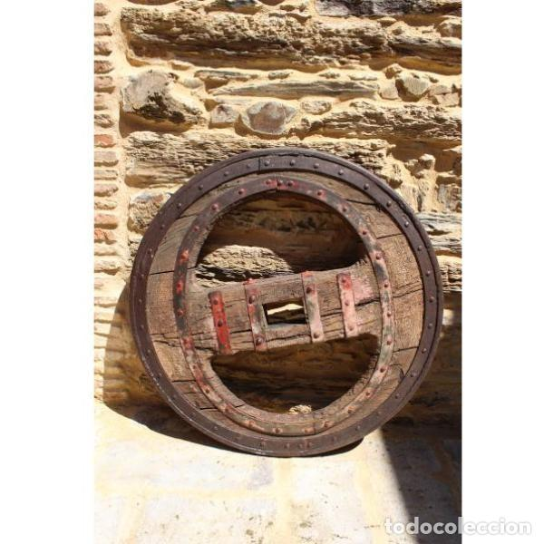 Antigüedades: Antigua rueda de carro - Foto 4 - 163080294