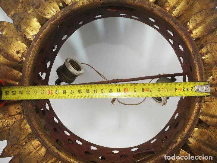 Antigüedades: ANTIGUA LÁMPARA VINTAGE DE HIERRO TIPO SOL DE TRIPLE CORONA - Foto 5 - 163081754