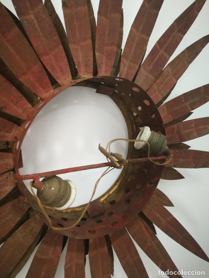 Antigüedades: ANTIGUA LÁMPARA VINTAGE DE HIERRO TIPO SOL DE TRIPLE CORONA - Foto 9 - 163081754