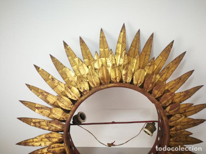 Antigüedades: ANTIGUA LÁMPARA VINTAGE DE HIERRO TIPO SOL DE TRIPLE CORONA - Foto 4 - 163082018