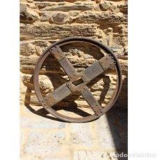 Antigüedades - Antigua rueda de carro - 163082314