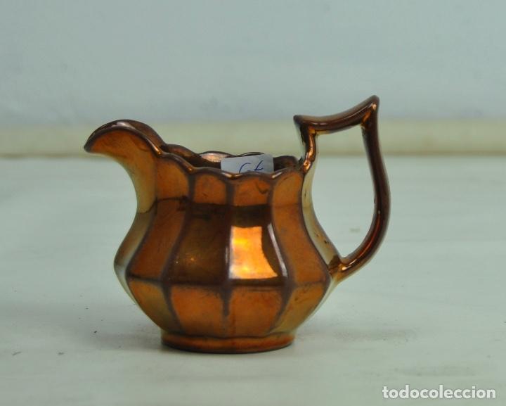 JARRA BRISTOL PEQUEÑA DORADA (Antigüedades - Porcelanas y Cerámicas - Inglesa, Bristol y Otros)