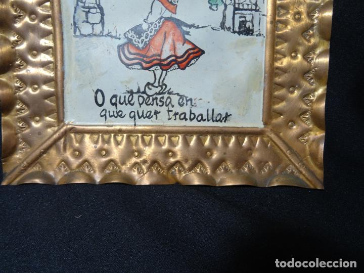 Antigüedades: tres cuadro años 1950-60 ,cobre con refran es gallegos. Galicia.pintados a mano - Foto 4 - 163349198