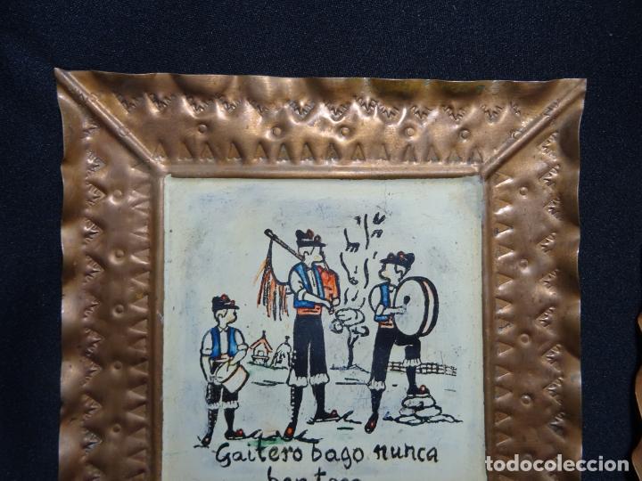 Antigüedades: tres cuadro años 1950-60 ,cobre con refran es gallegos. Galicia.pintados a mano - Foto 5 - 163349198